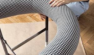 KROK VII - Obszycie materiałem oparcia fotela